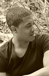 avatar de l'auteur Rony Hotin
